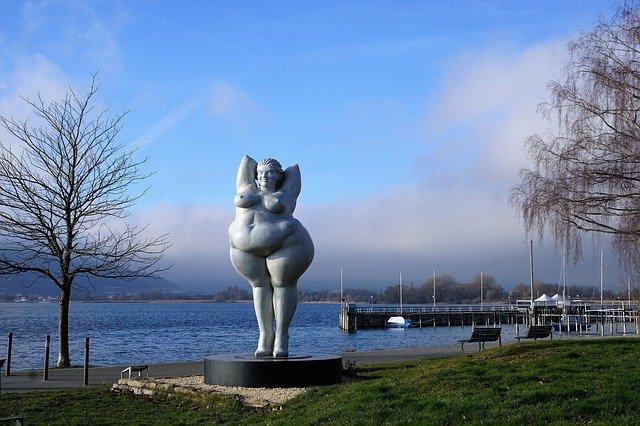 socha tlusťošky
