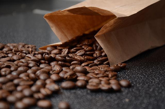 čerstvá kávová zrna