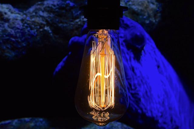 vintage lampa.jpg