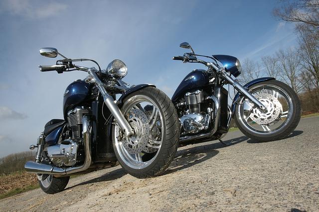 stejné motorky.jpg