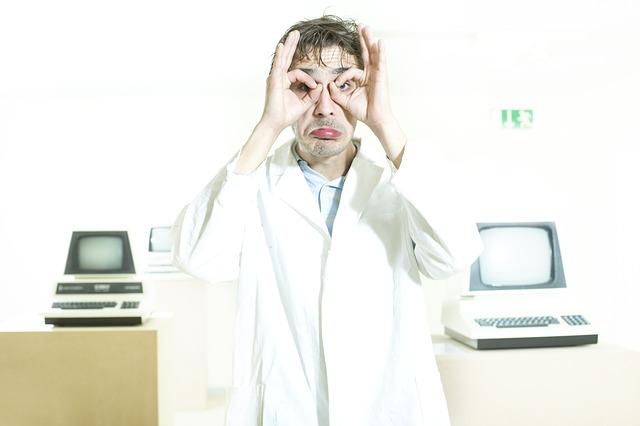 vědec a PC